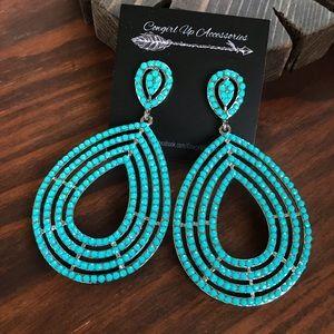 Jewelry - Turquoise beaded Drop Statement Earrings